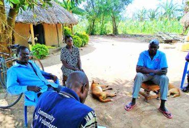 A-Community-Legal-Volunteer-conducting-mediation