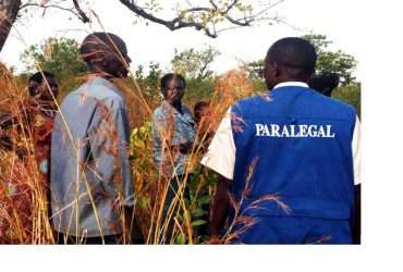 Paralegals-inspect-boundaries-during-mediations